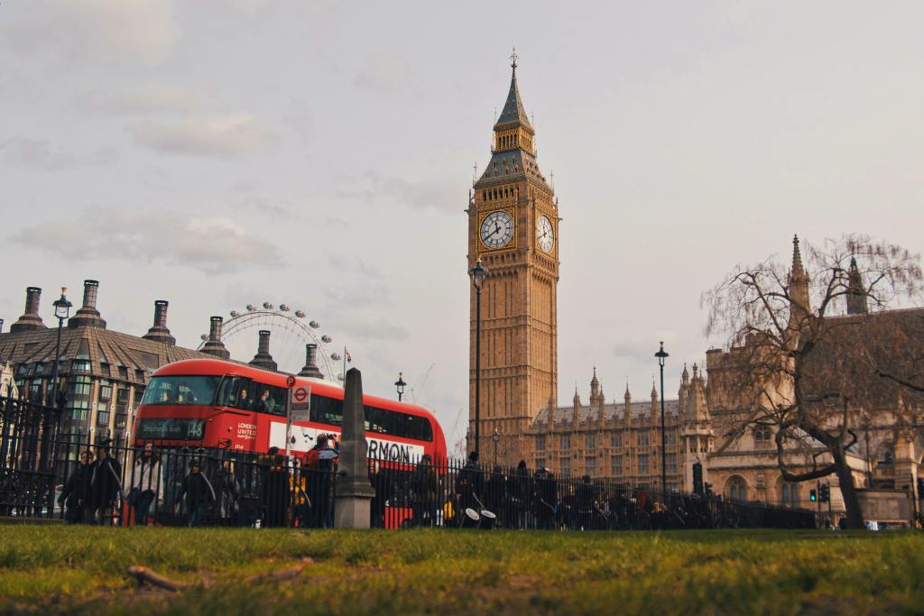 UK Sales Representation company London Bus